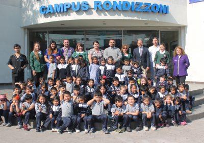 Escolares visitan dependencias de la Universidad